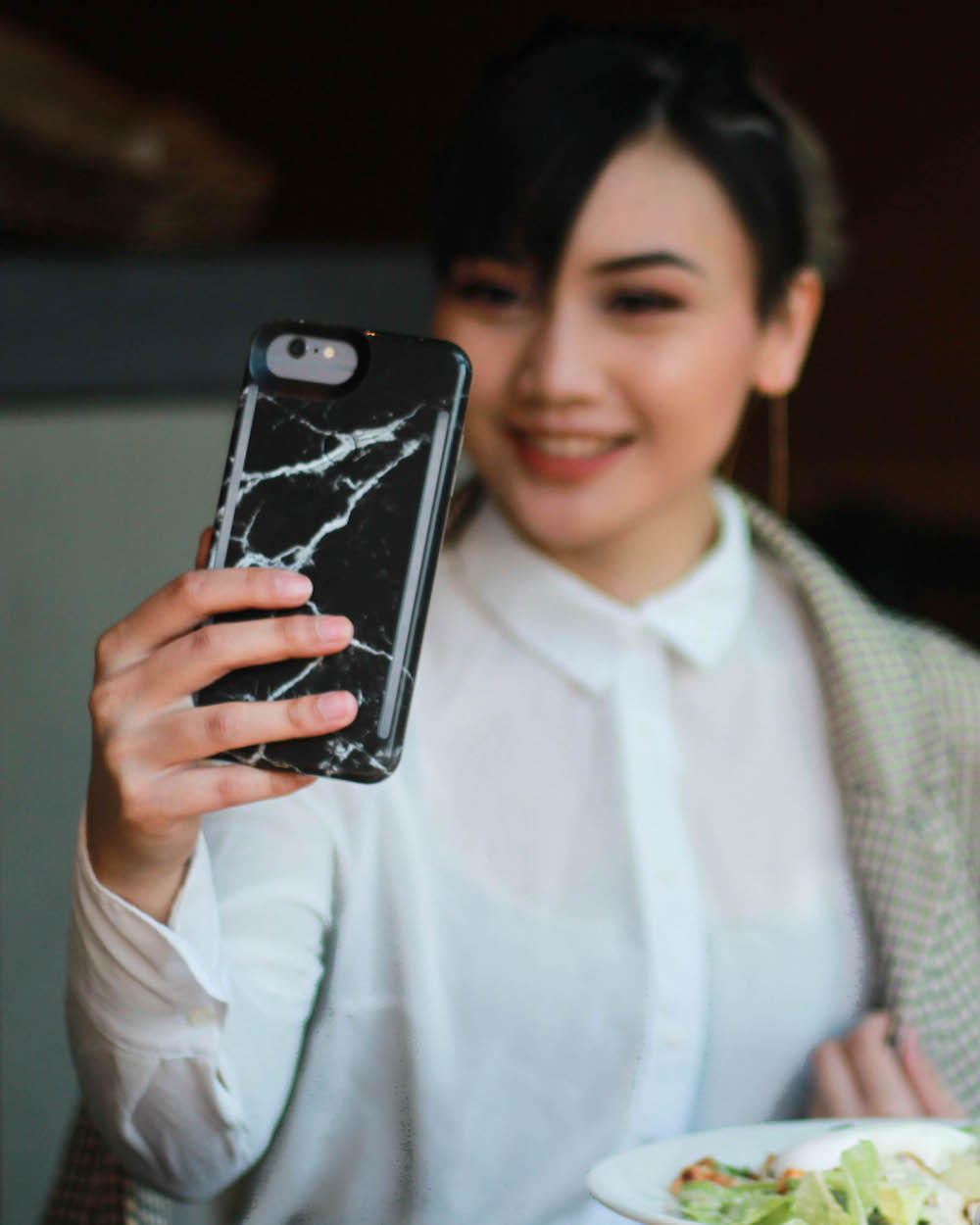 Lumee Light Up Selfie Case for iPhone 6Plus How to Take the Perfect Selfie Tips & Tricks