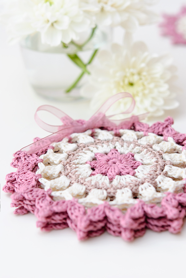 Summer crochet coasters by Anabelia Craft Design