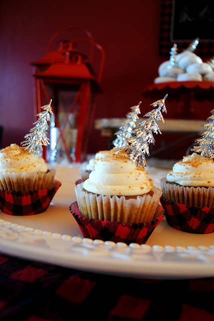 Cozy plaid wintery cupcakes