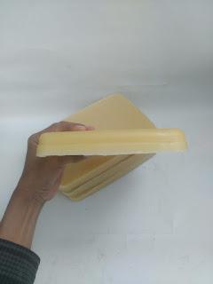 beeswax, beeswax pomade, beeswax putih, beeswax adalah, beeswax wrap, beeswax di apotik, beeswax cair, beeswax fungsi,