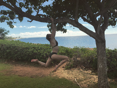 Paris Jackson shows off bikini body during vacation in Hawaii (photos)