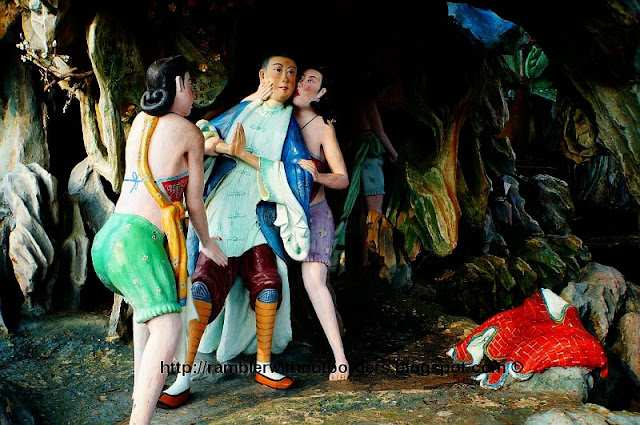 A scene from Journey to the West, where Tripitaka being tempted/molested by demonesses, Diorama from Haw Par Villa, Singapore