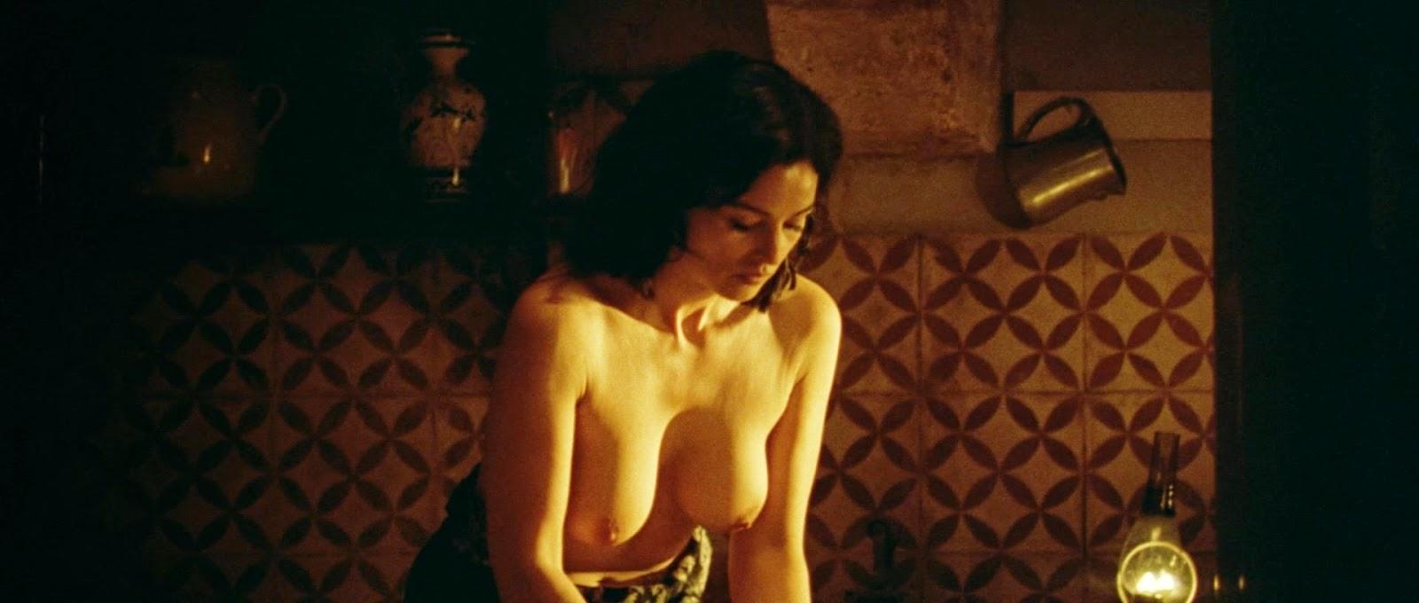 Monica bellucci boobs combien tu maimes