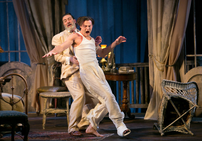 cat on a hot tin roof play characters
