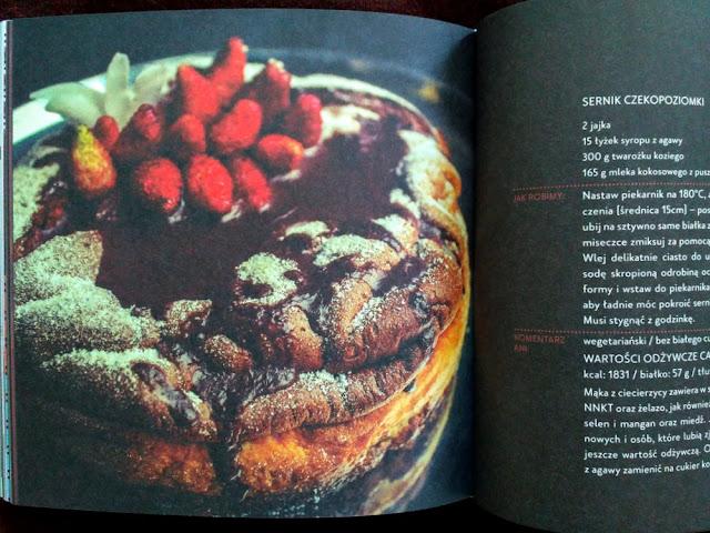 Sernik czekoladowy z poziomkami