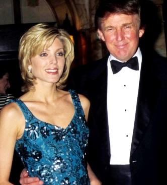 Foto de Donald Trump feliz con ex esposa