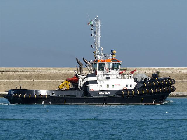 Rimorchiatore Luisa Neri, IMO 9695597, porto di Livorno