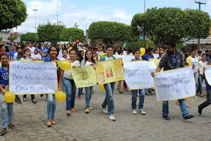CRAS de Umbuzeiro promove Caminhada Para a Vida