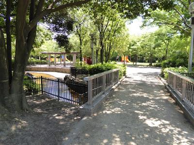 枚方市・市民の森(鏡伝池緑地) トリムの森ゾーン