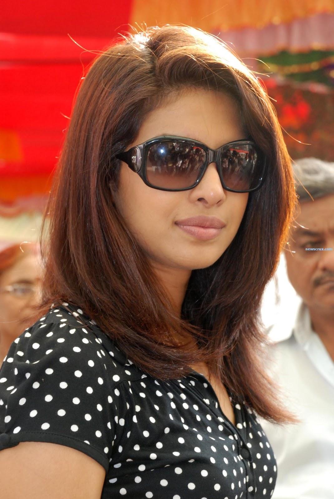 Priyanka Chopra Hot,Priyanka Chopra Hot Kisses Hq Hd -6861