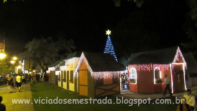 Decoração de Natal na Praça das Etnias