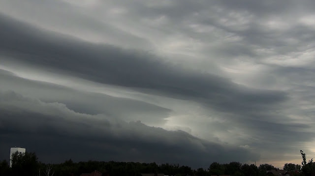 Shelf cloud time-lapse Full HD video