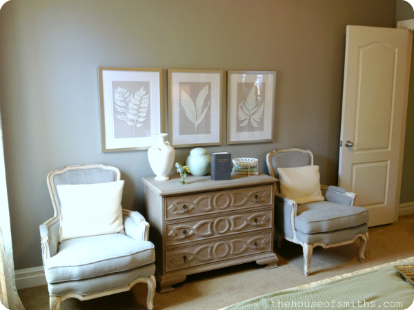 sitting area in master bedroom - neutral master bedroom design