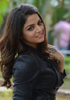 Indian Girl Images For Facebook, 17 Year Indian Girl Image