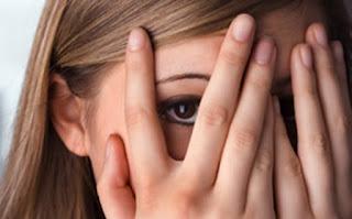 Você é tímido? Veja o que as pessoas pensam de você. Você se preocupa muito com os outros? Você é tímido e tem medo das críticas e julgamentos.