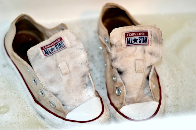 how to clean your white converse or canvas shoes