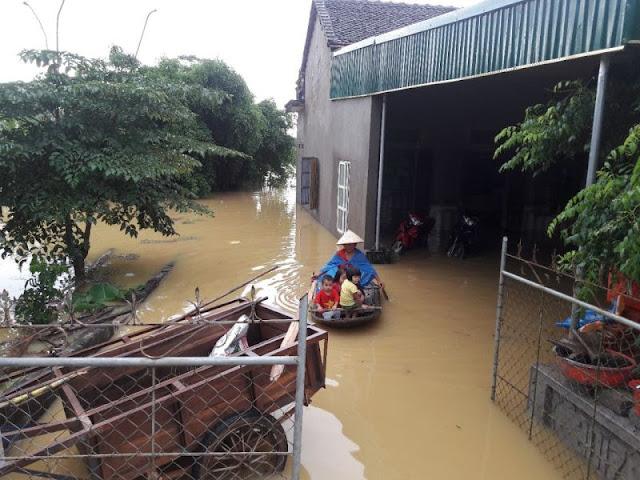 Toàn cảnh lũ lụt tại Ninh Bình và hoạt động cứu trợ tại Thanh Hoá - Ảnh minh hoạ 20