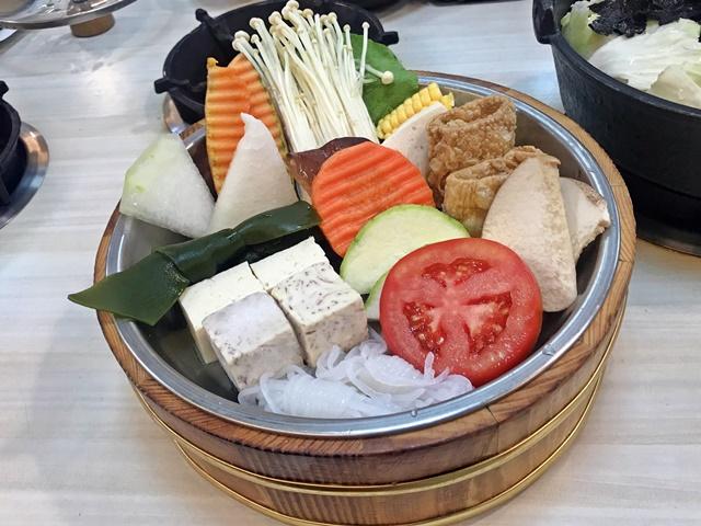 龍寶涮涮鍋~蔬菜盤
