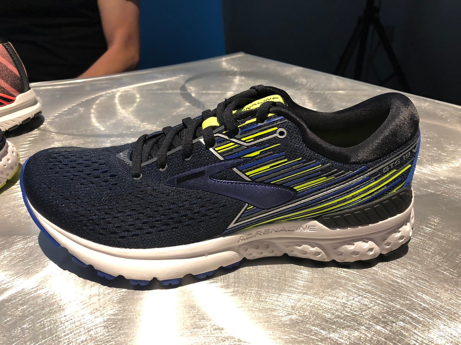 b04b98d23afcf The lateral heel crash pad is Brooks new soft but lively DNA Loft which we  liked so much in the Ghost 11 (RTR review) and as the entire midsole of the  ...