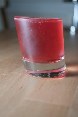 baby woo woo shot cocktail, vodka, peach schnapps, cranberry juice
