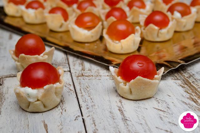 Petites bouchées au chèvre frais et à la tomate