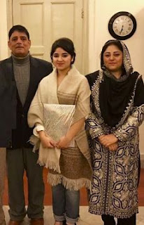 Zaira Wasim Family Husband Son Daughter Father Mother Marriage Photos Biography Profile.