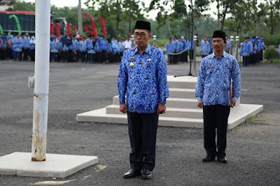 Zaiful Bokhari Pimpin Upacara HUT Lampung ke 54 di Pemkab Lampung Timur
