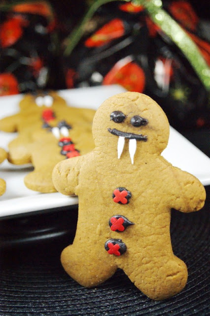 Gingerbread Vampire Cookies