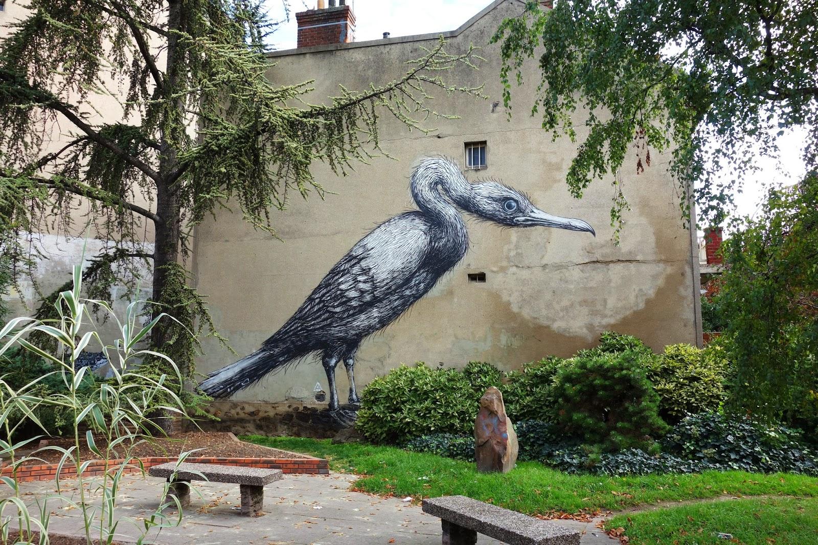 Street art a vitry sur seine l 39 art urbain joue les invit s vedette paris la douce - Piscine avec pente douce vitry sur seine ...