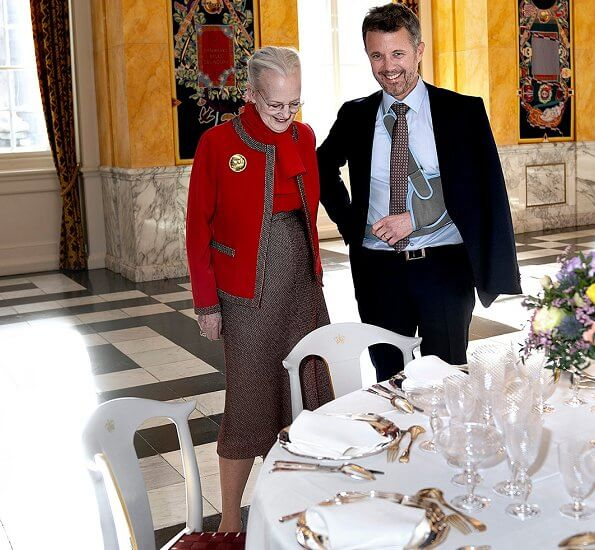 Crown Prince Frederik. Queen on the occasion of the Queen's 80th birthday. Architect Søren Ulrik Petersen.