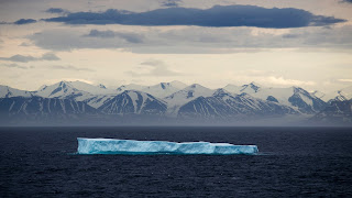 Lone Ice in Arctic (Credit: earther.com) Click to Enlarge.