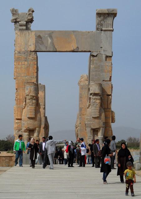 Visitar PERSÉPOLIS - Glória e queda de um império | Irão