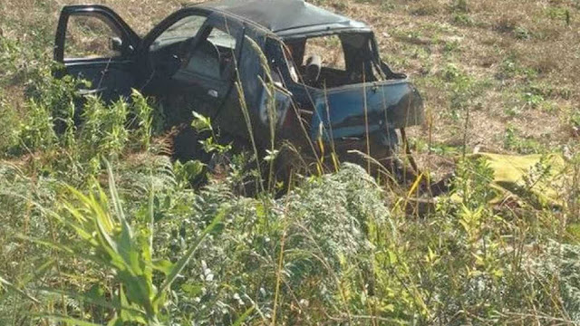 Seis morrem e uma criança sobrevive em acidente entre 2 carros