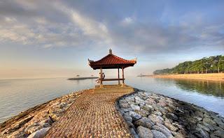 http://www.teluklove.com/2017/03/daya-tarik-objek-wisata-pantai-sanur-di.html