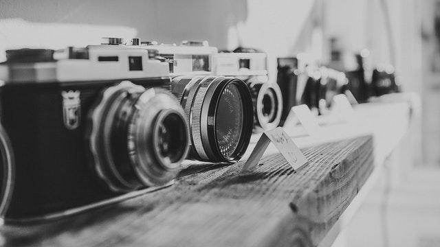 Perbedaan Kamera Mirrorless Dengan DSLR - Andrian Trik