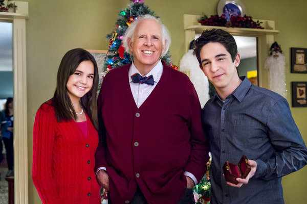 Zachary Gordon Petes Christmas