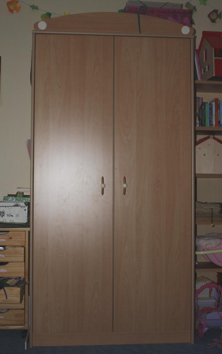karsten 39 s blog wickelkommode schrank und regal abzugeben. Black Bedroom Furniture Sets. Home Design Ideas