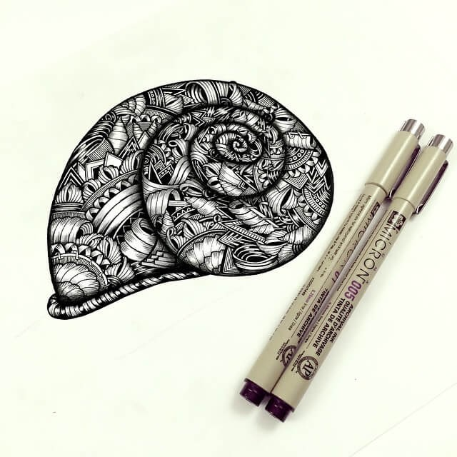 11-Snail-Shell-Faye-Halliday-Animals-with-Zentangle-Detailing-www-designstack-co