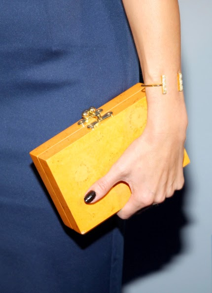 Grace bracelet in Gold worn by Laura Vandervoort