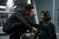 Michael Shannon and Sally Hawkins in The Shape of Water (8)