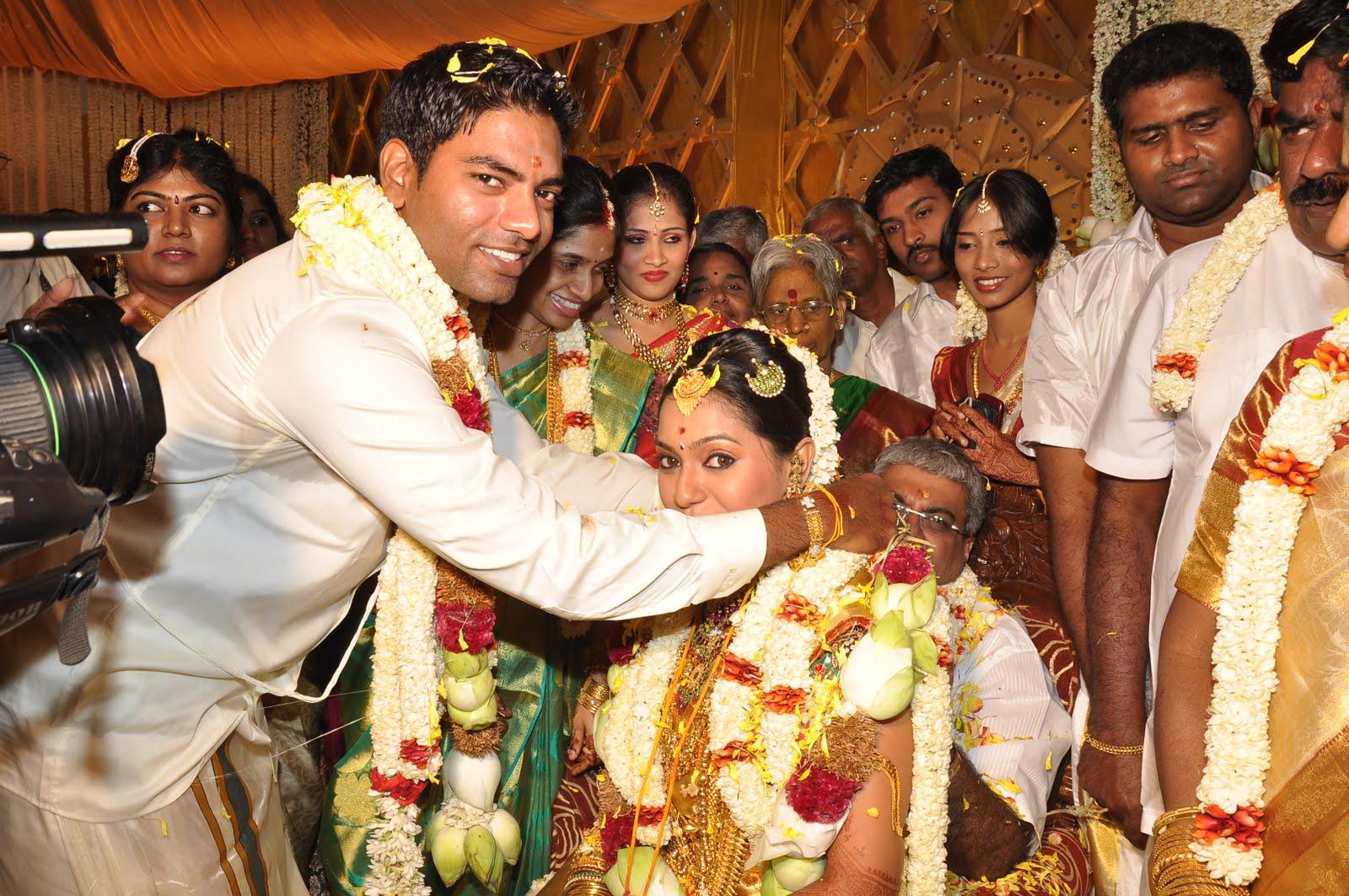 Tamil Actress Aparna Marriage Photos