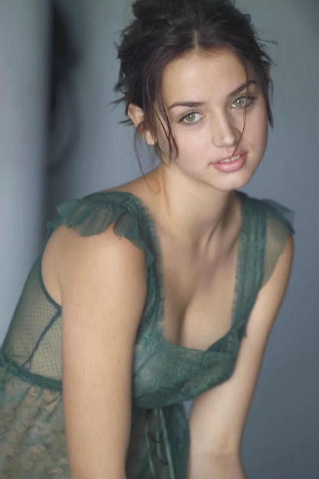 Pleasant Girls Images: Most Beautiful Green Eyes Canadian ...