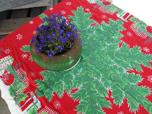50s Christmas tablecloth Red Presents