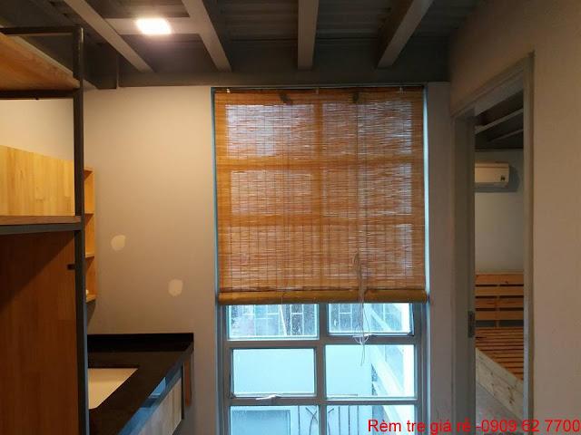 rèm tre trúc trong nhà
