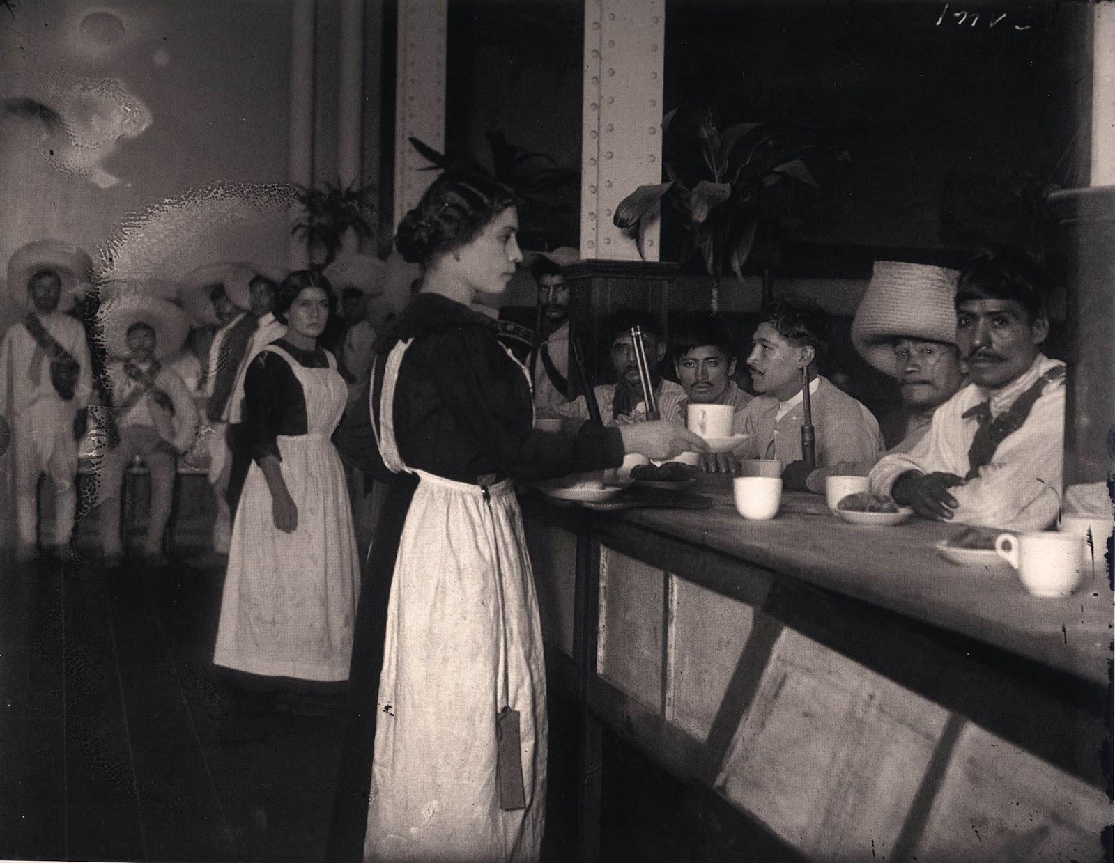 Chilaquiles y pancho villa una hoguera para que arda goya for Sanborns historia