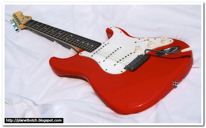 1988 Fender USA Standard Stratocaster Torino Red