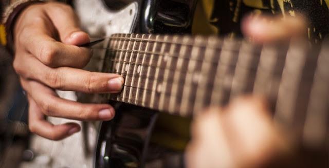 Tips & Trik Melakukan Tapping Gitar Dengan Mudah