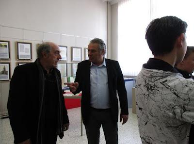 Discussion sur la rénovation des salles d'archivage