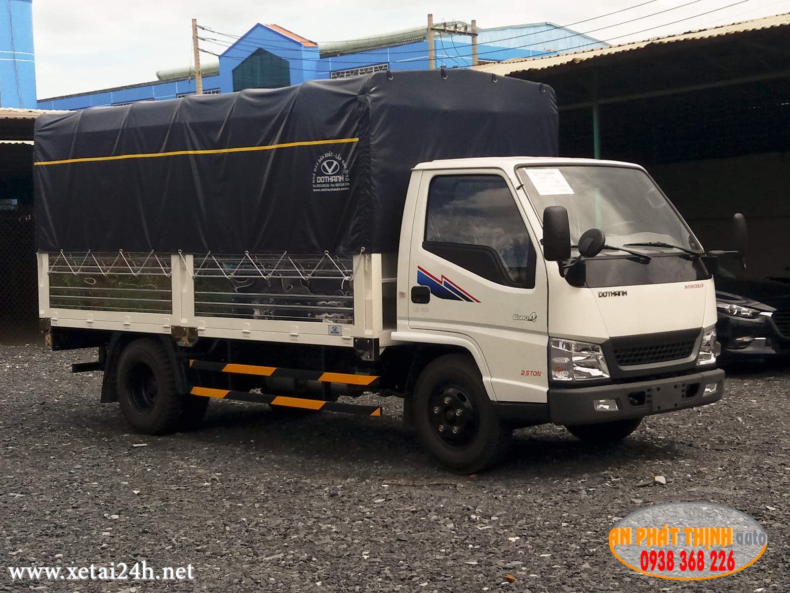 Xe tải Đô Thành IZ49-E4, tải trọng 2.3 tấn, thùng dài 4.2 mét