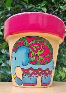 Macetas pintadas - elefante